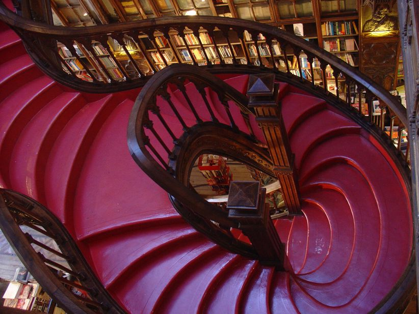 lello bookstore stairs