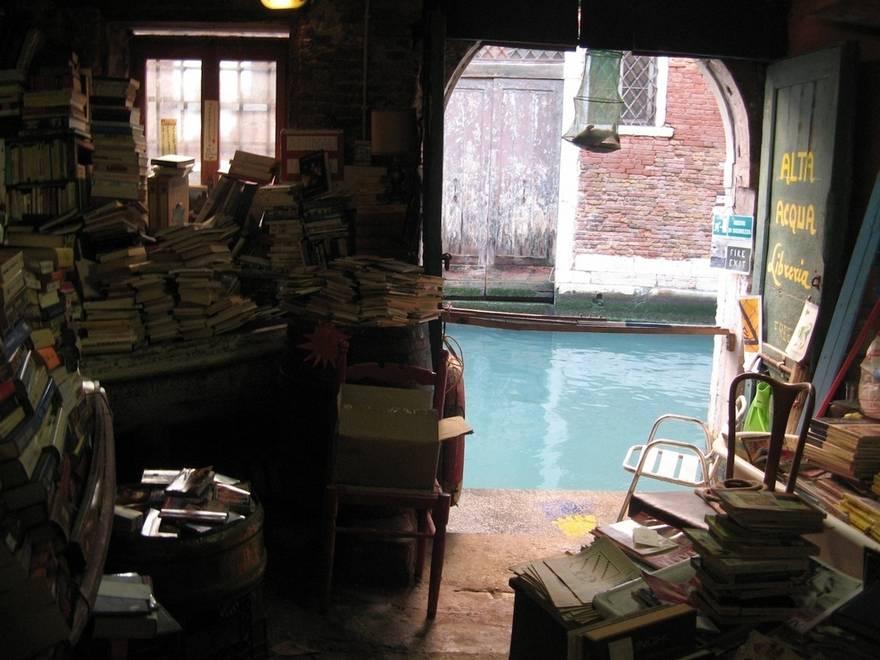 The Libreria Acqua Alta - Venedik