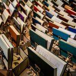 Bristol Kütüphanesi Girişindeki Arı Kovanı