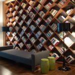 Evin Her Köşesinde Kitaptan Duvarlar