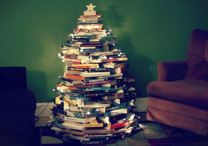 Edebiyat Severler İçin Kitaptan Yılbaşı Ağacı