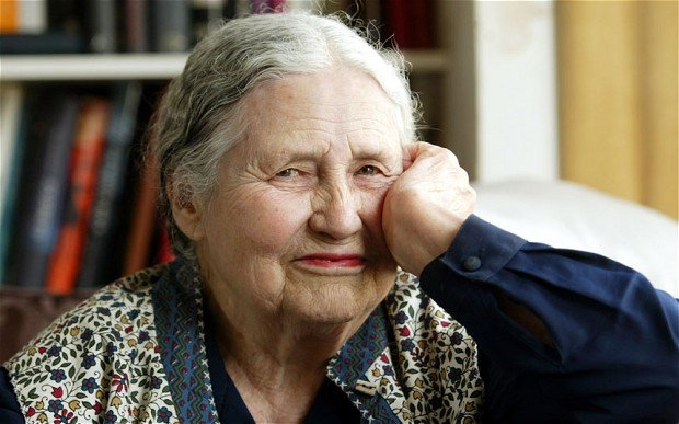 Türkü Söylüyor Otlar - Doris Lessing