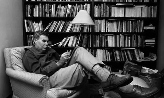 "raymond carvers neighbors All we really need in life is each other raymond carver's ""neighbors"" is a moral based story in the beginning of their marriage bill and arlene were very content with one another's companionship, but now they live in envy of their neighbors, harriet and jim."