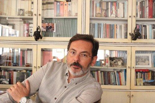 Gölgeler ve Hayaller Şehrinde - Murat Gülsoy