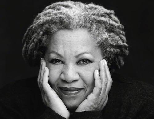En Mavi Göz - Toni Morrison
